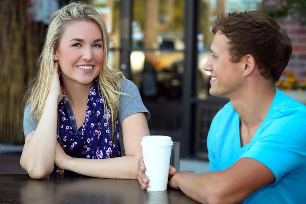 Как начать разговор с девушкой, которая нравится