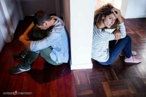 Парень в ссоре с девушкой
