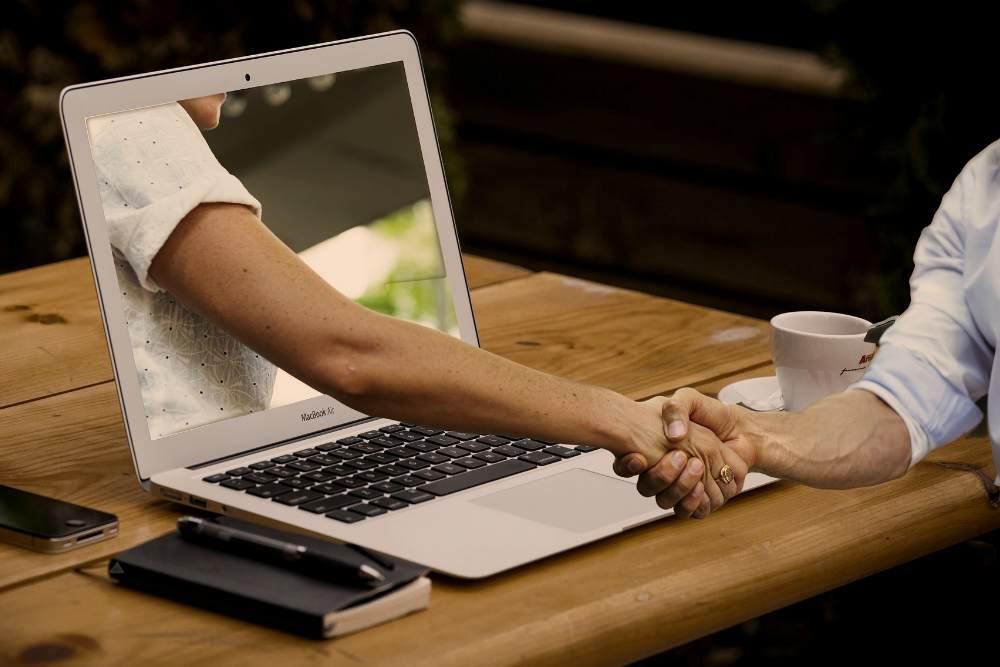 Познакомиться с девушкой на сайте без регистрации