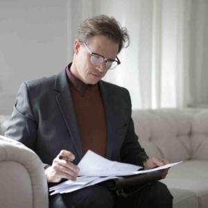 Как пережить развод после измены