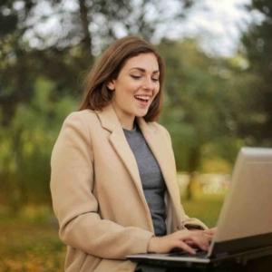 На какие темы лучше всего общаться с девушкой в интернете