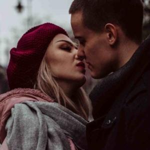 Как её поцеловать