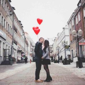 Как поцеловать девушку на 2 свидании