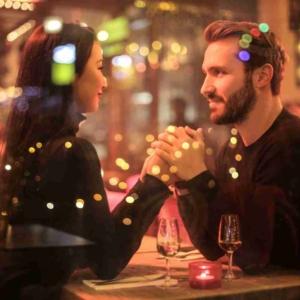 Как поцеловать девушку на втором свидании