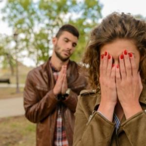 Как правильно общаться с девушкой при первом знакомстве