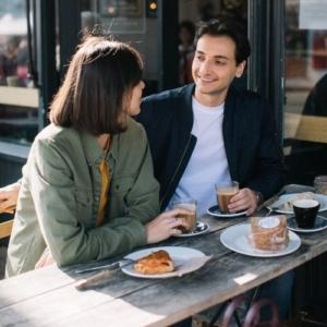 Как пригласить на свидание девушку в переписке