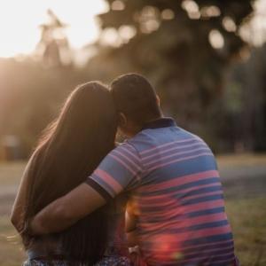 почему девушка не уходит, если разлюбила